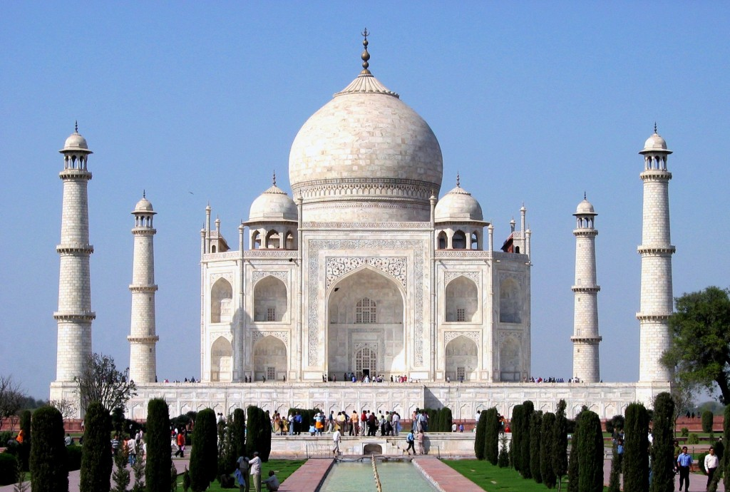 top tourist places in  taj mahal agra