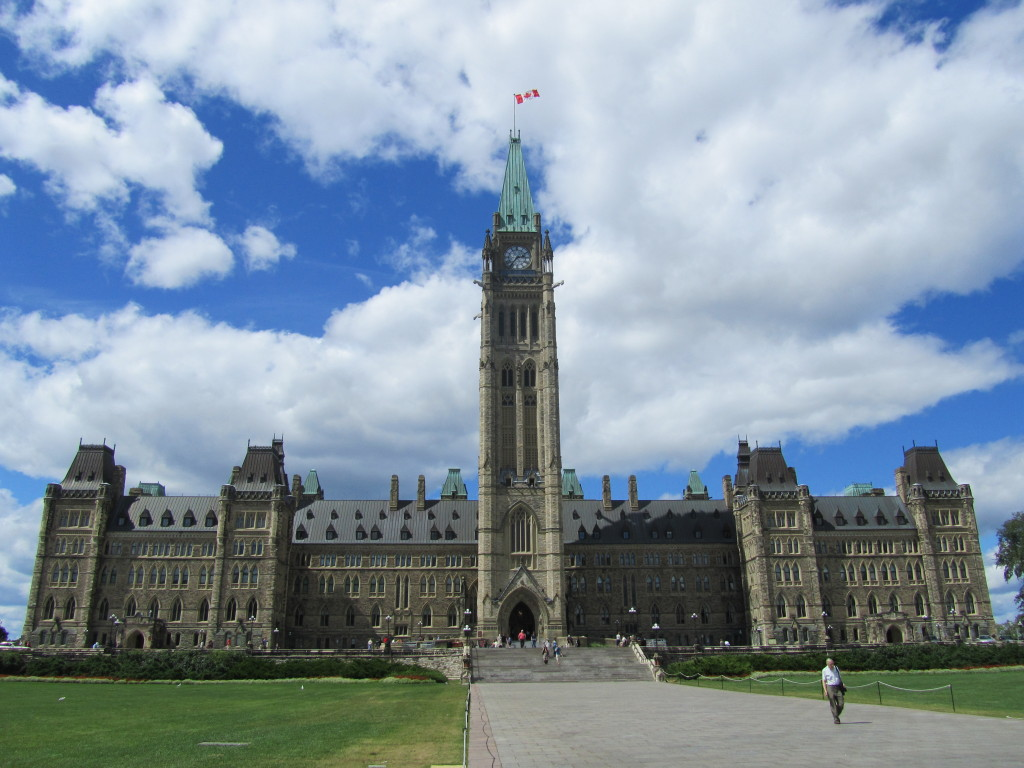 Parliament hill in Ottawa, things to do in ottawa, ottawa sightseeing, parliament hill